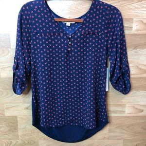 Tempted L.A. Small V-Neck Top with 1/2 Sleeves